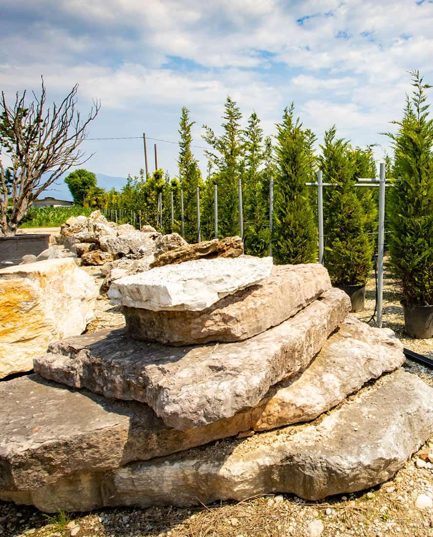 roccia-decorativa-giardino-vivai-porcellato-srl-04